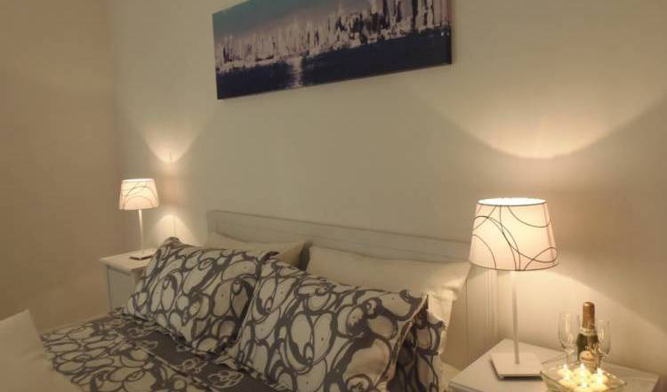 La Playa - Search available rooms and beds for hostel and hotel reservations in Sorrento 18 photos