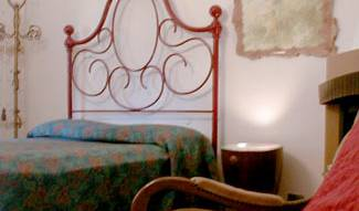 Lenzis Bed and Breakfast, easy bed & breakfast bookings in Airport Pisa, Italy 6 photos