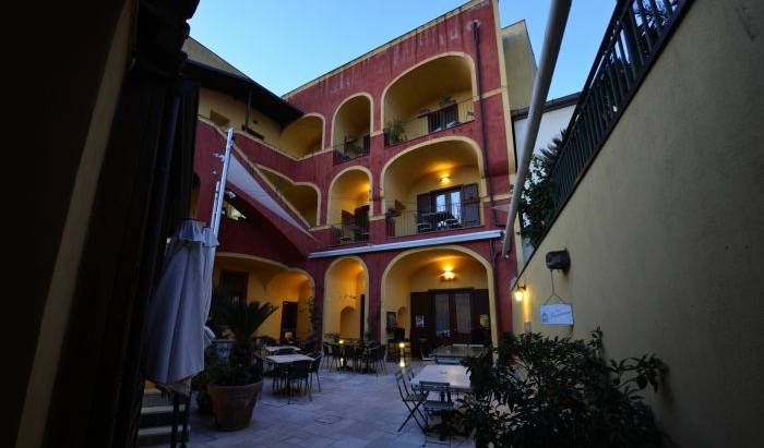 Manouche BB Bistrot - Get cheap hostel rates and check availability in Caserta, high quality hostels 3 photos