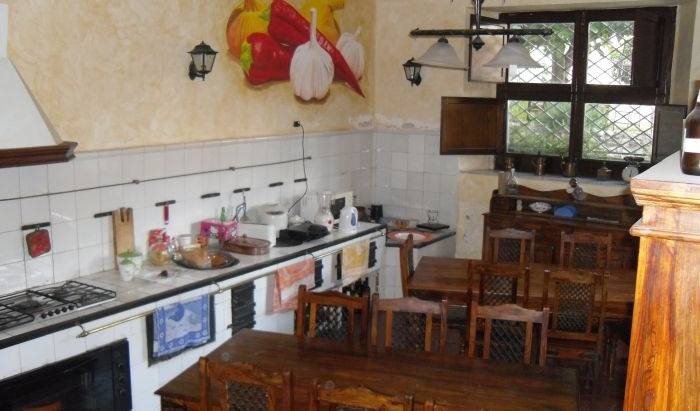 Re Alarico Hostel -  Cosenza, what is a backpackers hotel? Ask us and book now in Acquappesa, Italy 2 photos