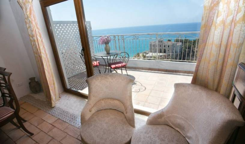 Rocca Delle Clarisse - Get cheap hostel rates and check availability in Tropea 8 photos