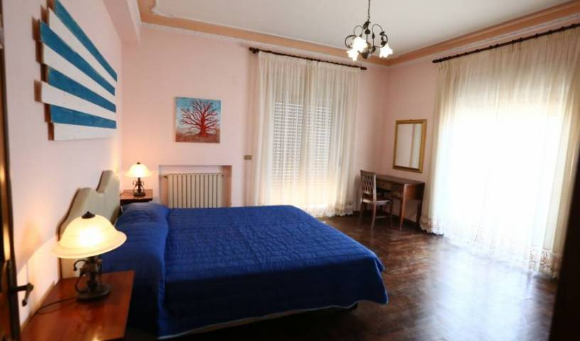 Sirocco BB - Get cheap hostel rates and check availability in Villa San Giovanni 3 photos