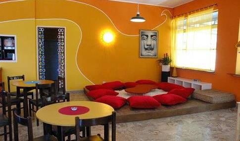 Sunflower Beach Backpacker Hostel -  Rimini, bed & breakfasts with ocean view rooms in Cervia, Italy 7 photos