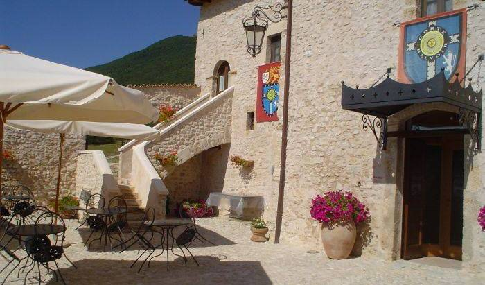 Corte Belvoir Guest House Romantic Inn -  Norcia 26 photos