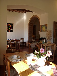 Ecoturismo La Casa Gialla, Siena, Italy, best deals for hostels and backpackers in Siena