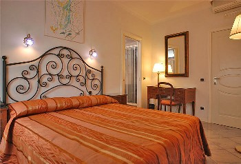 Fiorentini Residence, Napoli, Italy, Italy bed and breakfasts and hotels