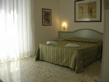 Gioia Bed and Breakfast, Rome, Italy, list of best international youth hostels and backpackers in Rome