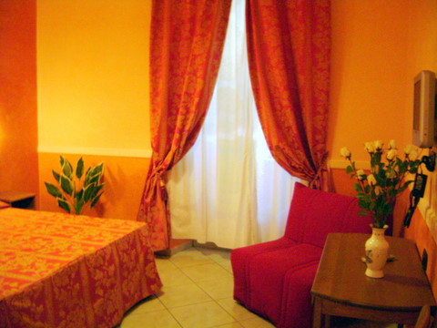 Gladios, Rome, Italy, what is a backpackers hostel? Ask us and book now in Rome