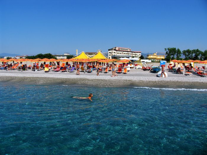 Grand Hotel President, Siderno Marina, Italy, backpackers and backpacking bed & breakfasts in Siderno Marina