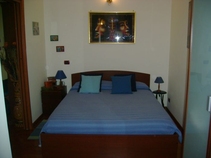 Holiday Apartment Casa del Sole, Rome, Italy, find cheap deals on vacations in Rome
