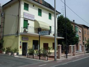 Hostel Italia, Reggio Emilia, Italy, Italy hostels and hotels