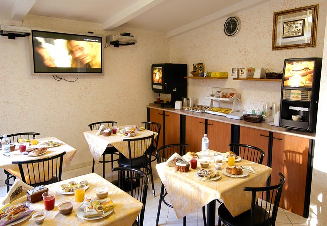 Hotel Bogart, Milan, Italy, youth hostels for the festivals in Milan