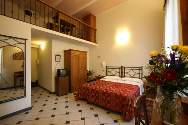 Hotel Collodi, Florence, Italy, hostels near metro stations in Florence