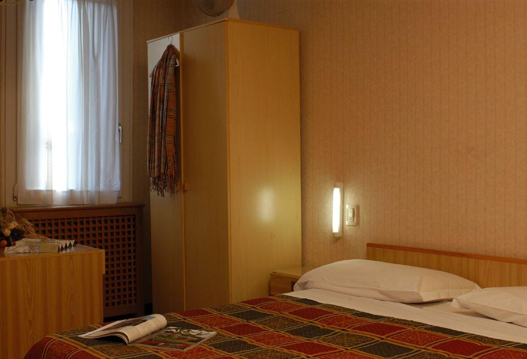 Hotel Giovannina, Venice, Italy, Italy hostels and hotels