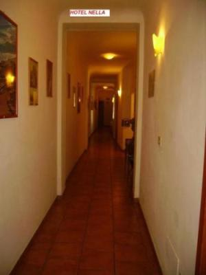 Hotel Nella, Florence, Italy, bed & breakfasts for the festivals in Florence