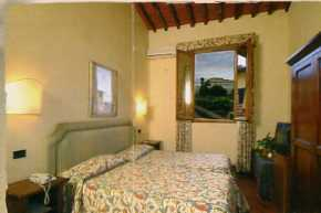 Hotel Relais Il Cestello, Florence, Italy, alternative hostels, cheap hotels and B&Bs in Florence