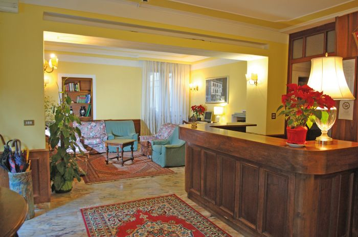 Hotel Restaurant Corona, Bagni Di Lucca, Italy, hostels with free wifi and cable tv in Bagni Di Lucca