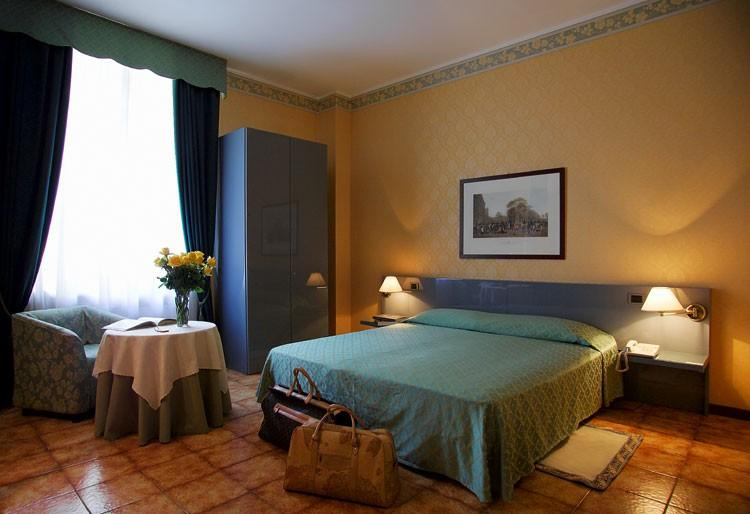 Hotel Zefiro, Milan, Italy, Italy hostels and hotels