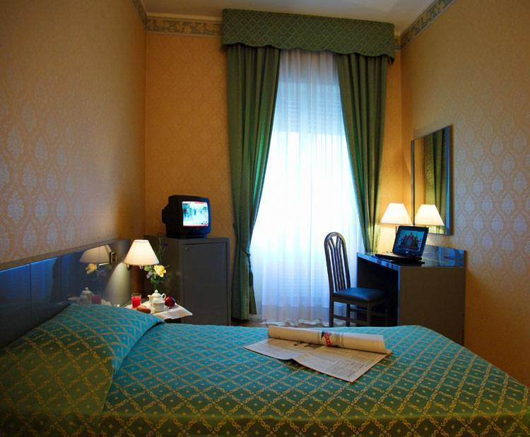 Hotel Zefiro, Milan, Italy, affordable accommodation and lodging in Milan