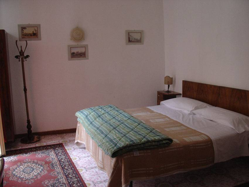 Leonardo House, Florence, Italy, we offer the best guarantee for low prices in Florence