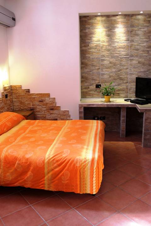 Nuova Fiera BnB, Fiumicino, Italy, best questions to ask about your bed & breakfast in Fiumicino