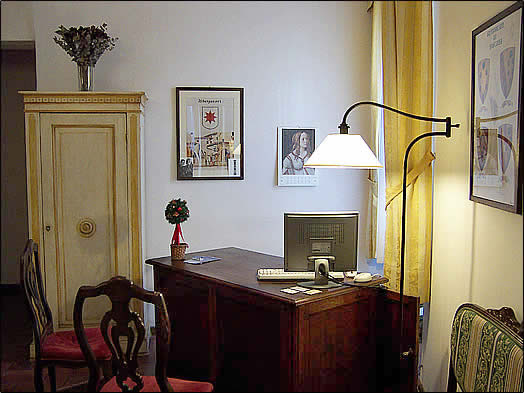 Relais Campanile, Florence, Italy, bed & breakfasts near ancient ruins and historic places in Florence
