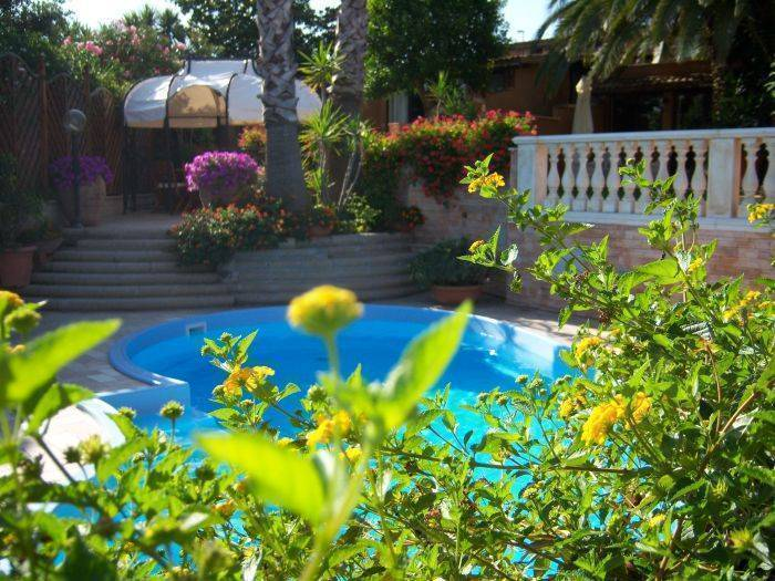 Residence Relais Michelangelo, Rome, Italy, international backpacking and backpackers hotels in Rome