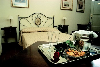 Residenza d'Epoca Relais Verdi, Florence, Italy, romantic hostels and destinations in Florence