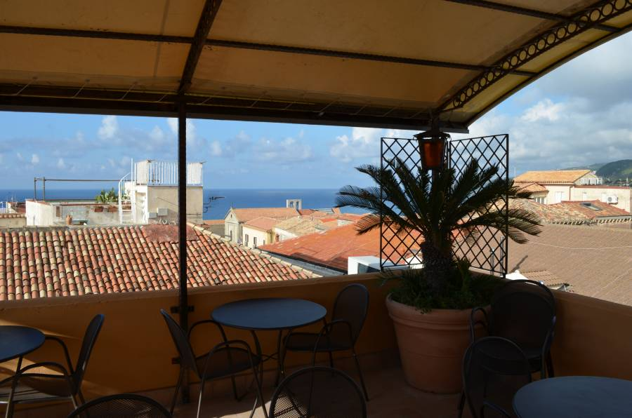 Residenza Il Duomo, Tropea, Italy, bed & breakfasts near transportation hubs, railway, and bus stations in Tropea