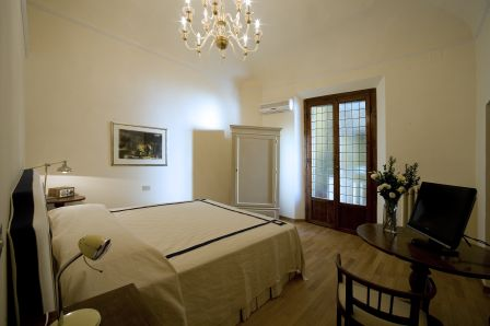 Soggiorno Rondinelli, Florence, Italy, long term rentals at hostels or apartments in Florence