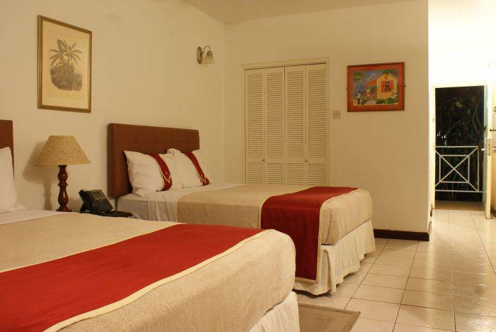 Altamont Court, Kingston, Jamaica, Jamaica hostels and hotels