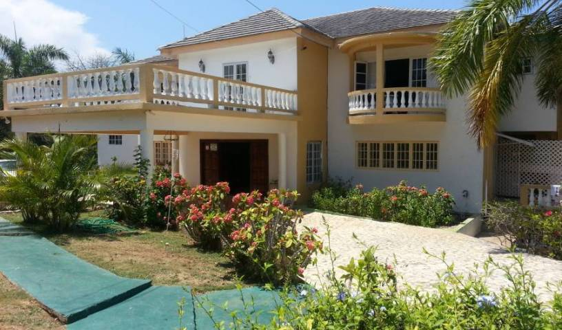 Emerald View Resort Villa - Search available rooms and beds for hostel and hotel reservations in Montego Bay 13 photos