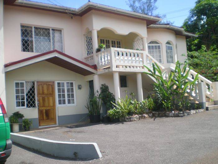 Klem's Homestay, Mandeville, Jamaica, Jamaica hostels and hotels