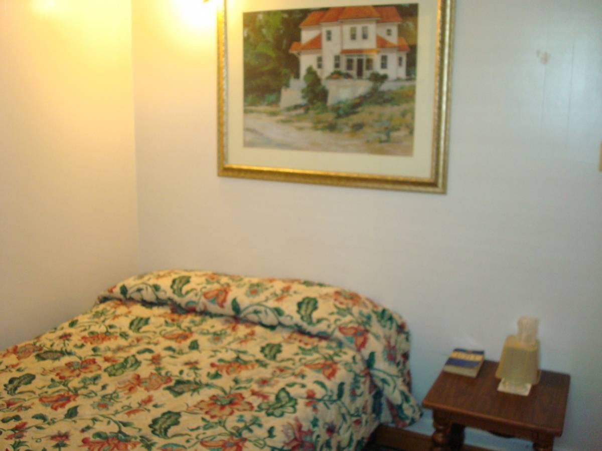 Empress Hotel Hotel In New Orleans Hostel Reservations Backpacker Hostels Guesthouses And