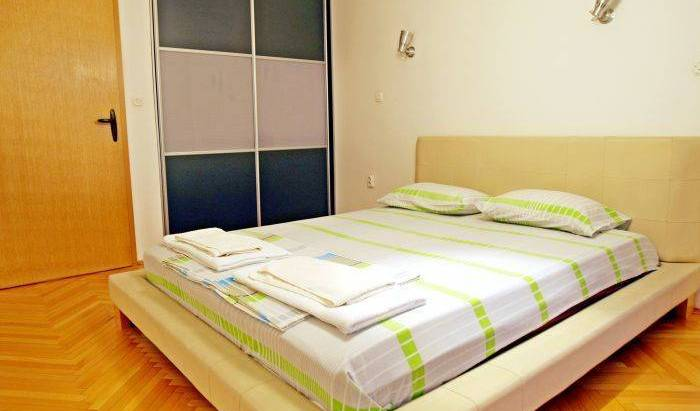 Lsa Bunjakovec - Search available rooms and beds for hostel and hotel reservations in Karpos Dva 3 photos