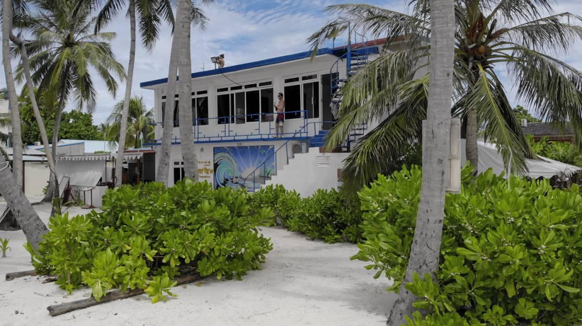 Batuta Maldives Surf View, Kanu Huraa, Maldives, how to plan a travel itinerary in Kanu Huraa