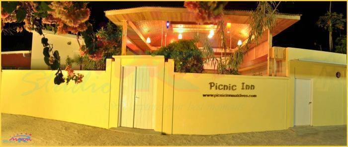 Picnic Inn, Eboodhoo, Maldives, Maldives hostels and hotels