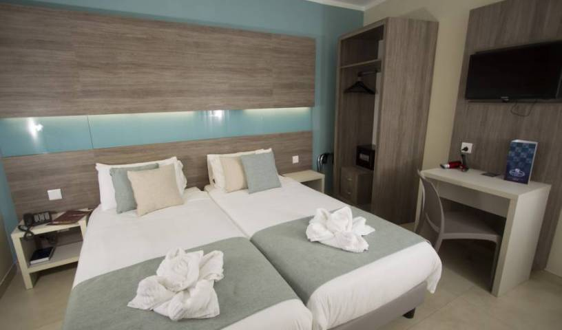 115 The Strand Aparthotel - Search for free rooms and guaranteed low rates in Il- Gzira 13 photos