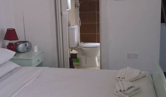 Boito - Search for free rooms and guaranteed low rates in Birkirkara, backpacker hostel 2 photos