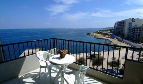 Roma Hotel -  Sliema, bed & breakfast vacations 7 photos
