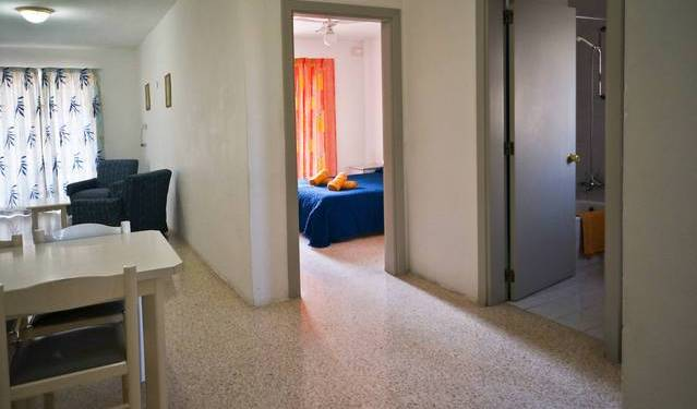 Shamrock Holiday Apartments - Get cheap hostel rates and check availability in San Pawl il-Bahar 4 photos