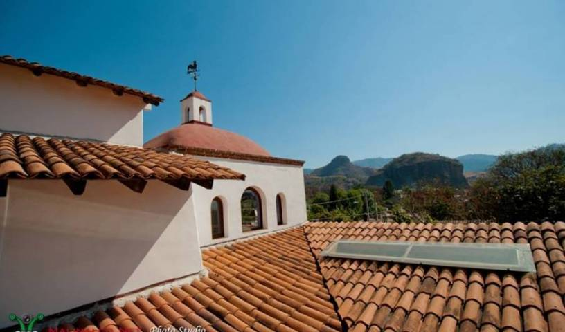 Casa de Huespedes Las Bugambilias - Search available rooms and beds for hostel and hotel reservations in Malinalco, backpacker hostel 8 photos