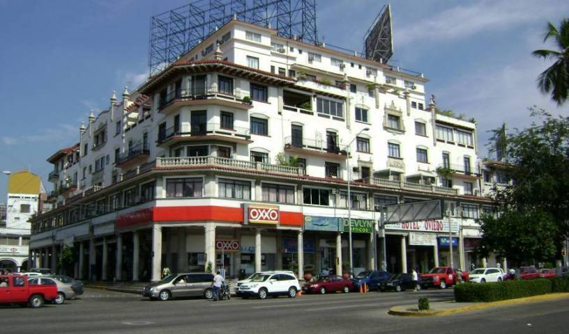Hotel Oviedo Acapulco, bed & breakfasts near subway stations 10 photos
