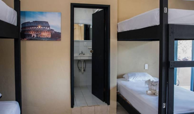 La Playita Hostel 3 photos
