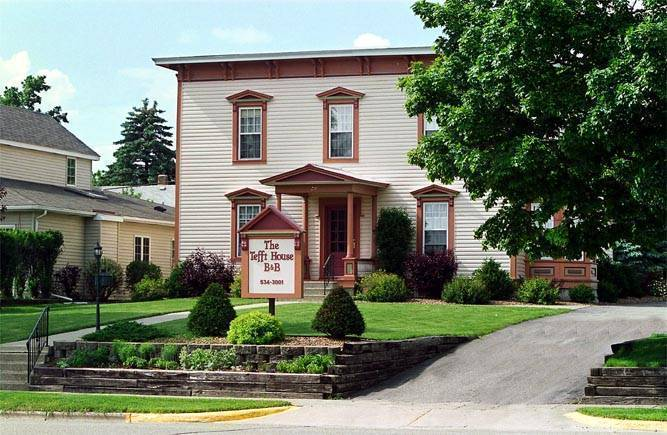 The Tefft House, Plainview, Minnesota, Minnesota bed and breakfasts and hotels