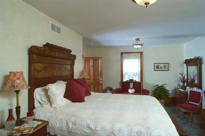 The Tefft House, Plainview, Minnesota, expert travel advice in Plainview
