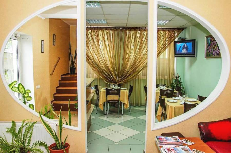 Vila Iris, Chisinau, Moldova, bed & breakfasts with handicap rooms and access for disabilities in Chisinau