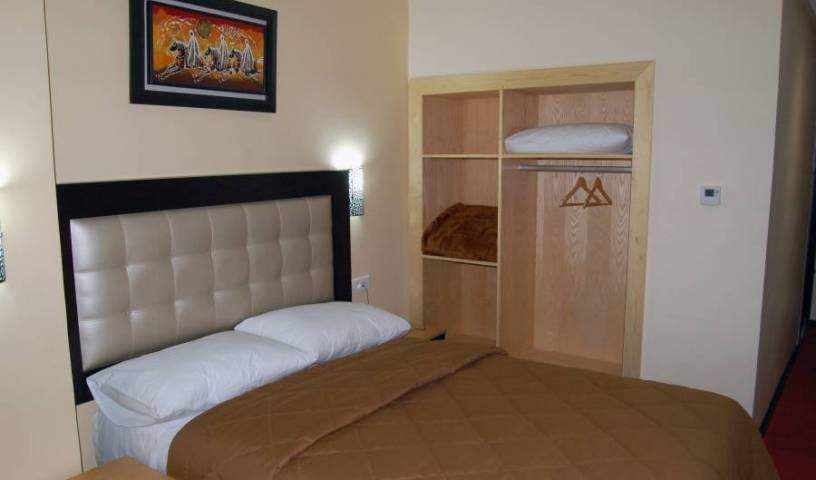 Al Akhawayn Hotel - Search for free rooms and guaranteed low rates in Oujda, backpacker hostel 6 photos