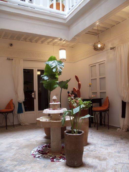 Riad Orangecannelle, Essaouira, Morocco, find me bed & breakfasts and places to eat in Essaouira