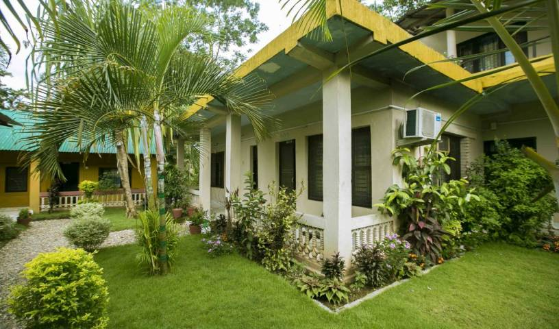Sauraha Nana Hotel -  Bharatpur, find bed & breakfasts with restaurants and breakfast 9 photos